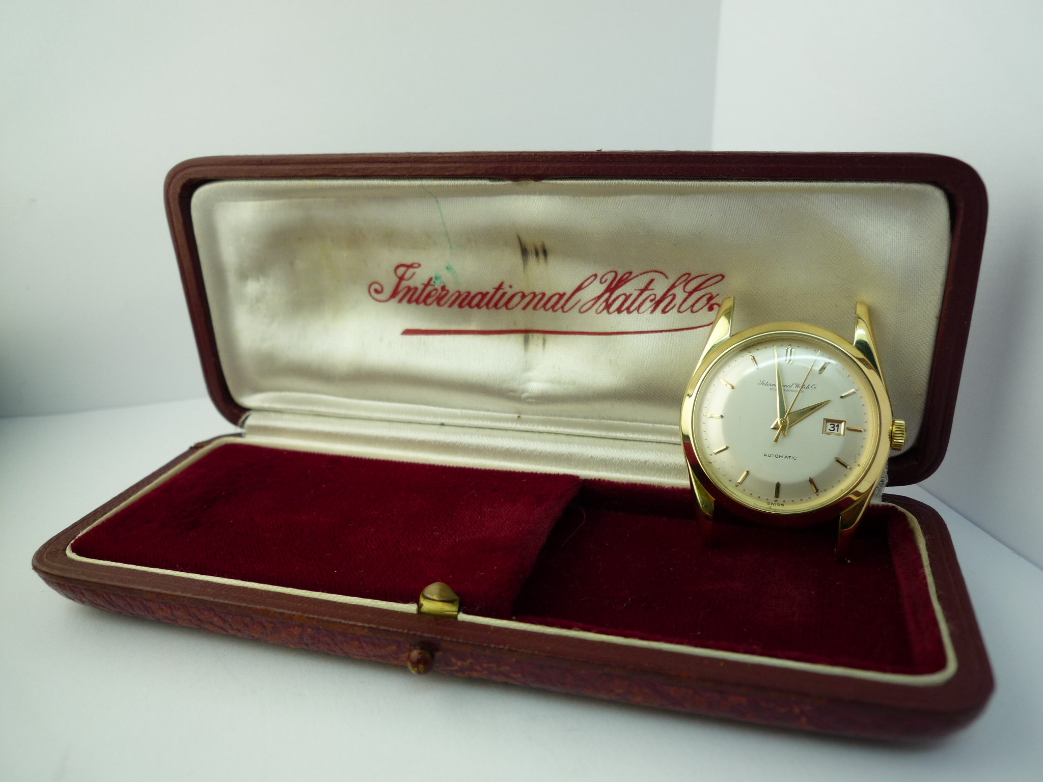 IWC 18ct solid gold watch Box & papers (1959)